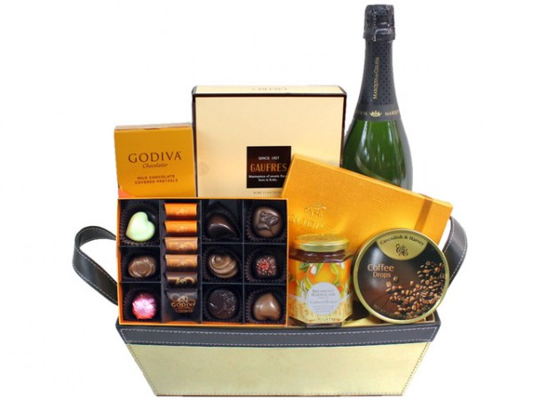 wine-food-gift-hamper-c30~pic3106613.v2